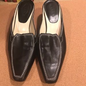 Tods mule shoes